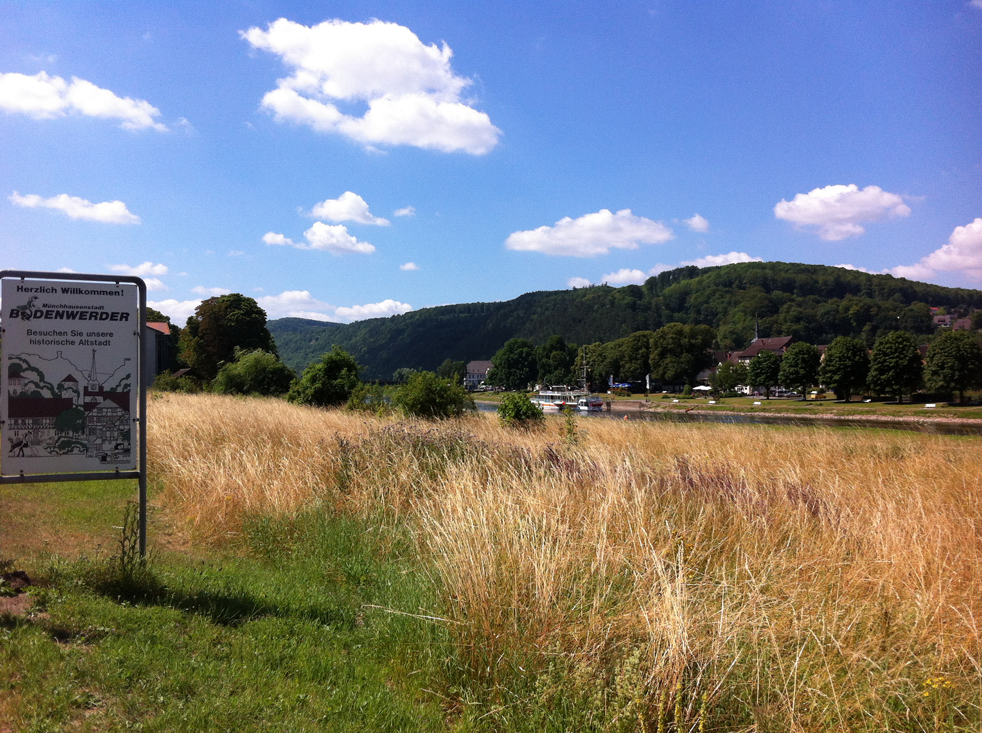 Tour destination reached: Bodenwerder on the river Weser