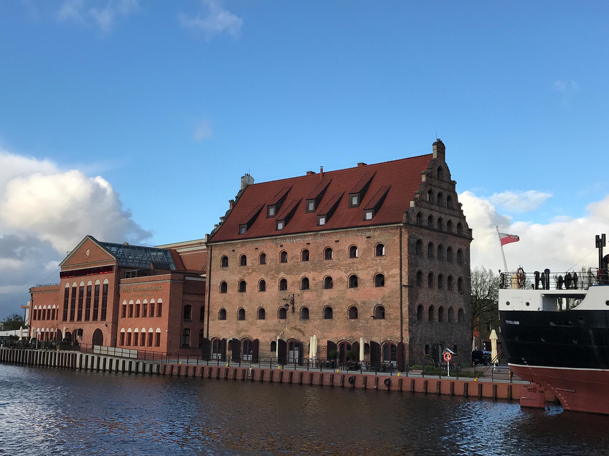 Polska Filharmonia Bałtycka im. Fryderyka Chopina and Hotel Królewski, Gdańsk