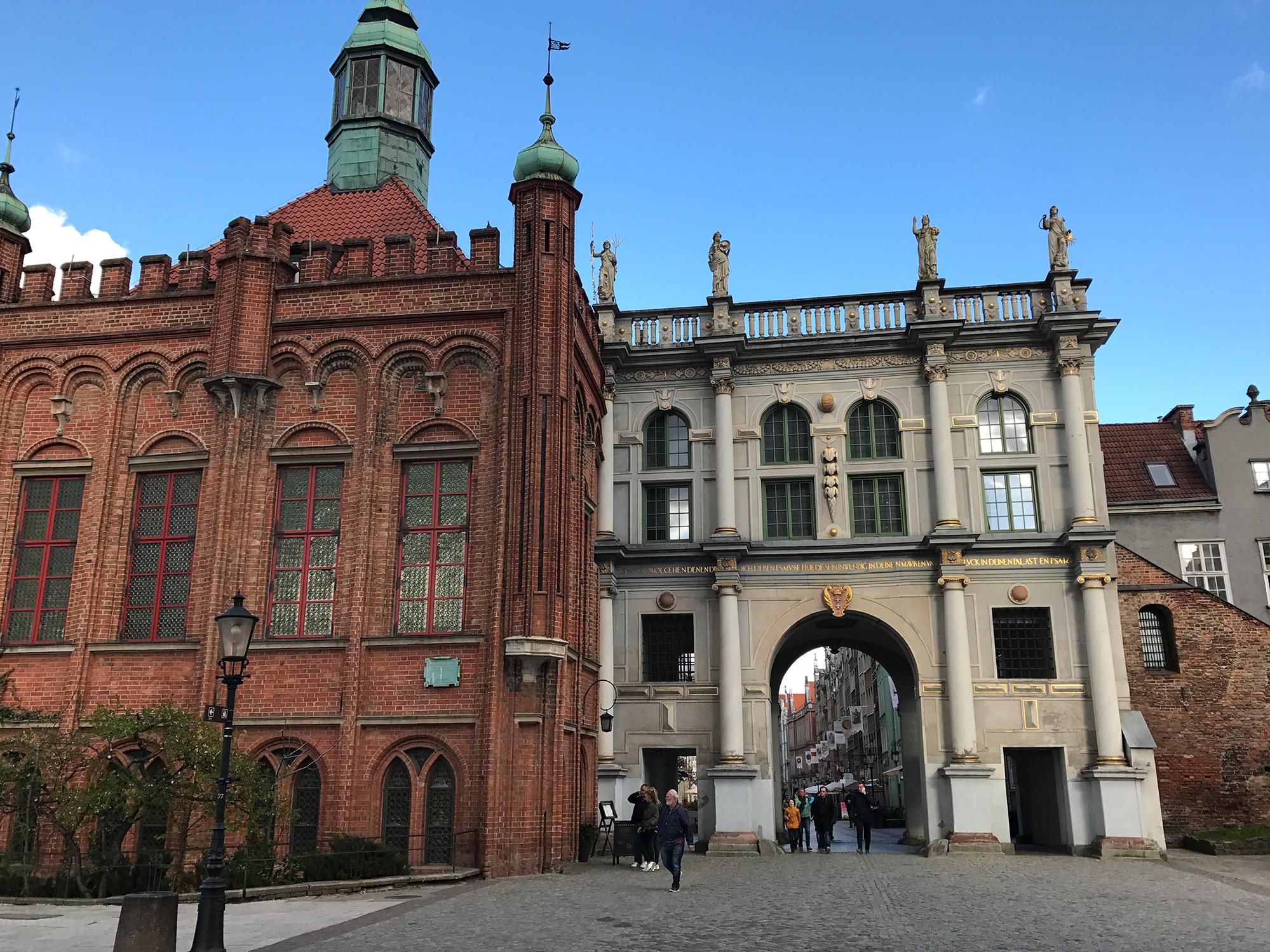 Zlota Brana, (Golden Gate) and Dwór Bractwa św. Jerzego (The court of the Fraternity of St Georg), Targ Węglowy, Gdańsk